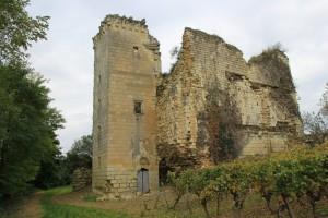 Beaumon, tour de Beaumont, détail de la tourelle ajoutée au XVe siècle.