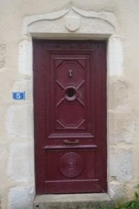 Celle l'Evescault, maison 5, rue Renaudette, détail de la porte d'entrée.