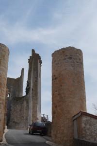 Chauvigny, chateau des eveques.