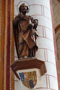 Chauvigny, collegiale Saint-Pierre, console armoriée.
