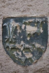 L'Isle-Jourdain, maison 6 rue des fontenelles, détail de l'armoirie des Lezay.