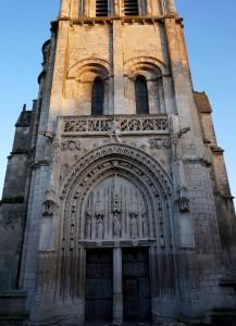 Eglise Saine-Radegonde, Poitiers, façade ouest, portail.