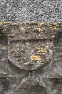 Chaunay, maison impasse de la Salle Sainte-Thérèse, armoirie du roi de France.