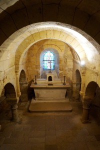 Morthemer (Valdivienne), église Notre-Dame, crypte.