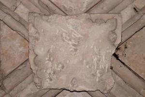 Palais des comtes, tour Maubergeon, salle au rez-de-chaussée, clef aux armes de Jean de Berry.