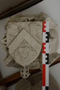 Clef-de-voute aux armes des Gazeau. Poitiers, réserves du Musée Sainte-Croix (de l'église Sainte-Opportune).