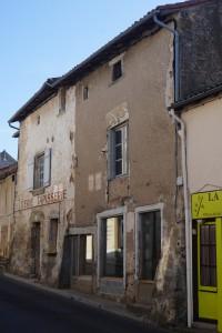 Maison XVe siècle. L'Isle-Jourdain, 4 avenue Marcel Giraud.