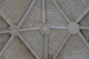 Saint-Jouin-de-Marnes, église abbatiale, voûte de la dixième travée.
