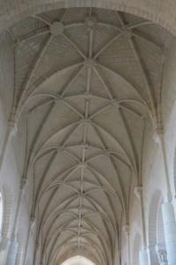 Saint-Jouin-de-Marnes, église abbatiale, voûtes de la nef (du chevet vers le mur pignon ouest)