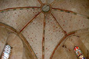 Vivonne, église Saint-Georges, bran nord du transept, décor de la voûte.
