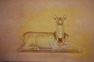 Biche aux armes Tiercelin-Turpin. Chitré, salle de chasse.