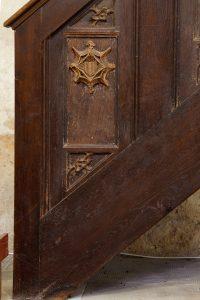 Chaire du precheur, détail d'un panneau aux armes d'Amboise. Eglise Saint-Pierre-et-Saint-Paul, Dissay.