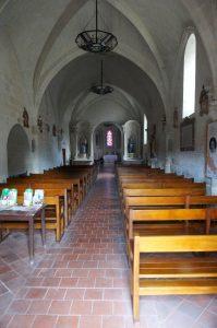 Colombiers, église Notre-Dame, vue de la nef vers la travée sous le clocher.