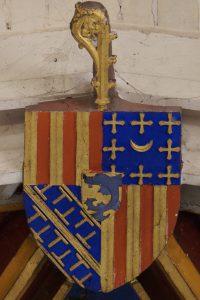 Armoirie de Pierre d'Amboise, évêque de Poitiers. Dissay, église Saint-Pierre-et-Saint-Paul.