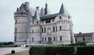 Château de la Roche-du-Maine, Prinçay. Façade de l'aile nord.