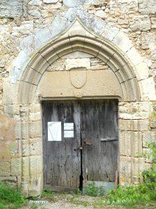Fontaine-le-Comte, abbaye Notre-Dame, portail de l'infirmerie.
