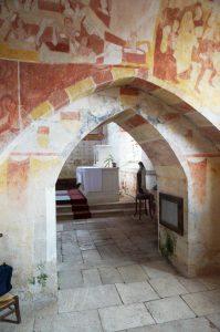 Antigny, Notre-Dame, chapelle Sainte-Catherine, arc avec palimpseste héraldique.